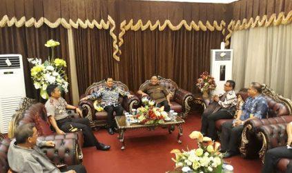 Gubernur Sulut Olly Dondokambey Jemput Menpan RB Dan Menkumham